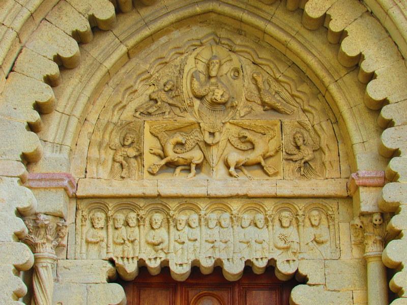 Timpano della chiesa del Monastero di Ganagobie (xI sec probabilmente)