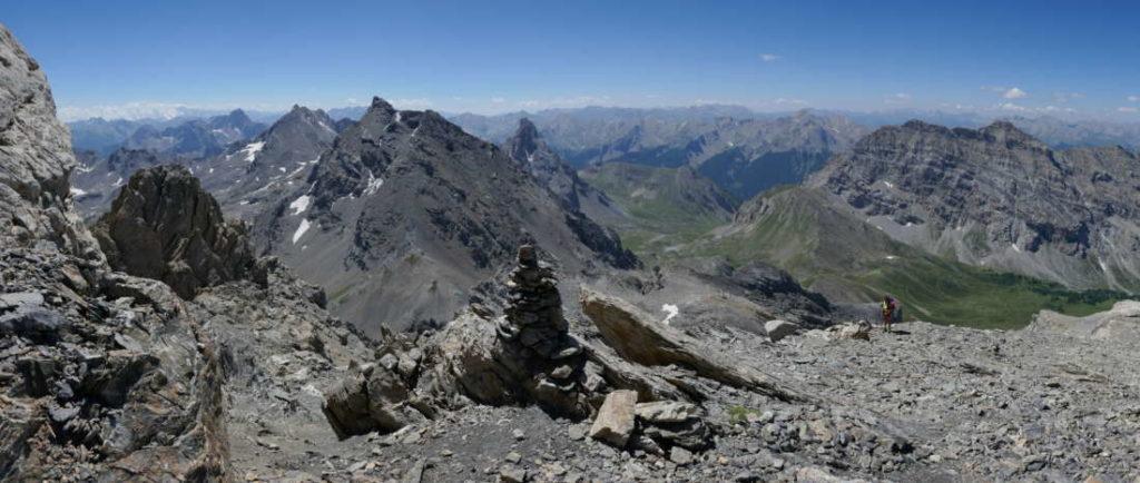 grande-omino-all-arrivo-della-via-alpinistica-Italiana
