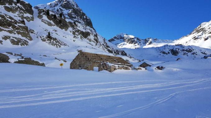 Caserme prima dei Lago inferiore di Valscura