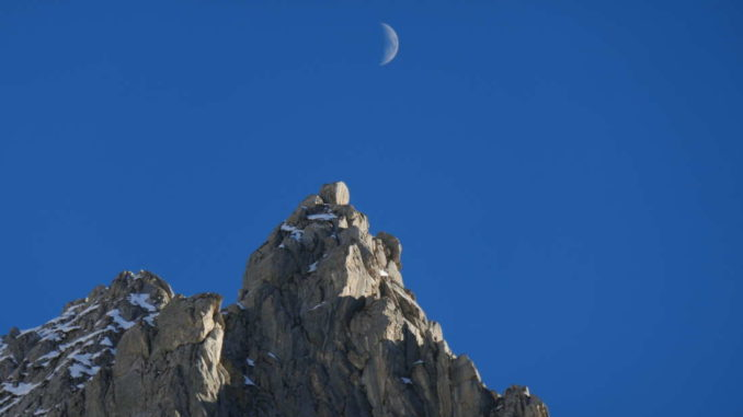 rientrando con la luna