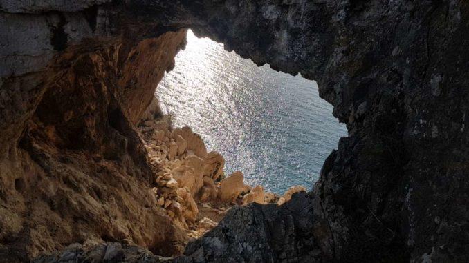 Ingresso alla grotta
